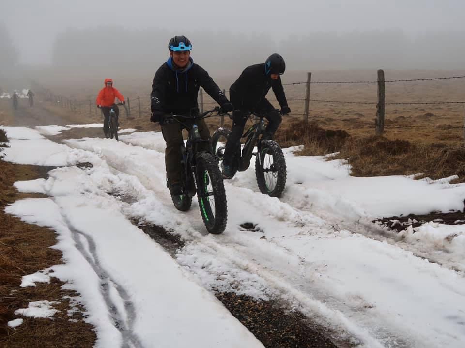 Rando fat Bike en Aubrac avec le br...